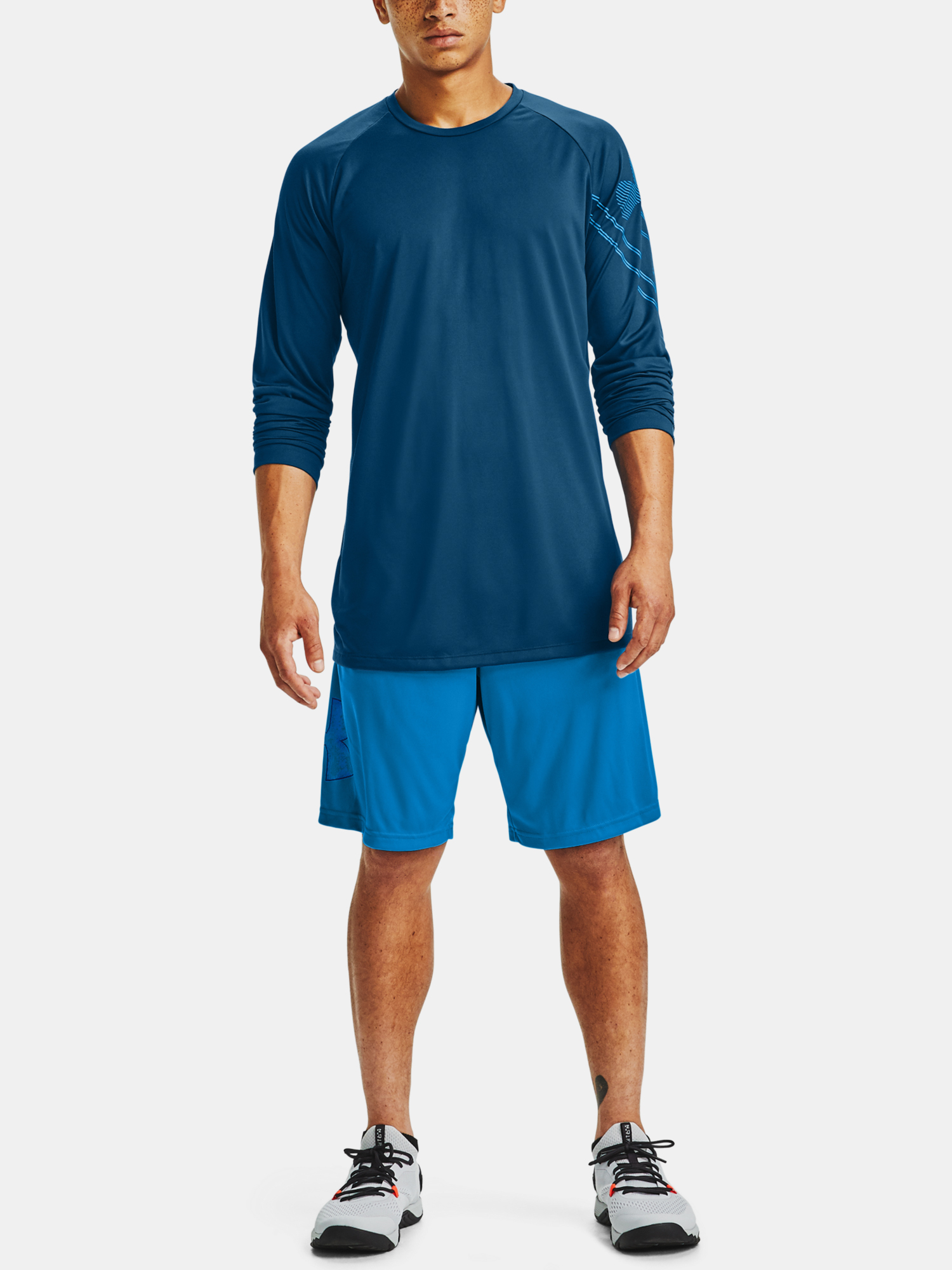 Tričko Under Armour GRADIENT LOGO TECH LS-BLU (7)