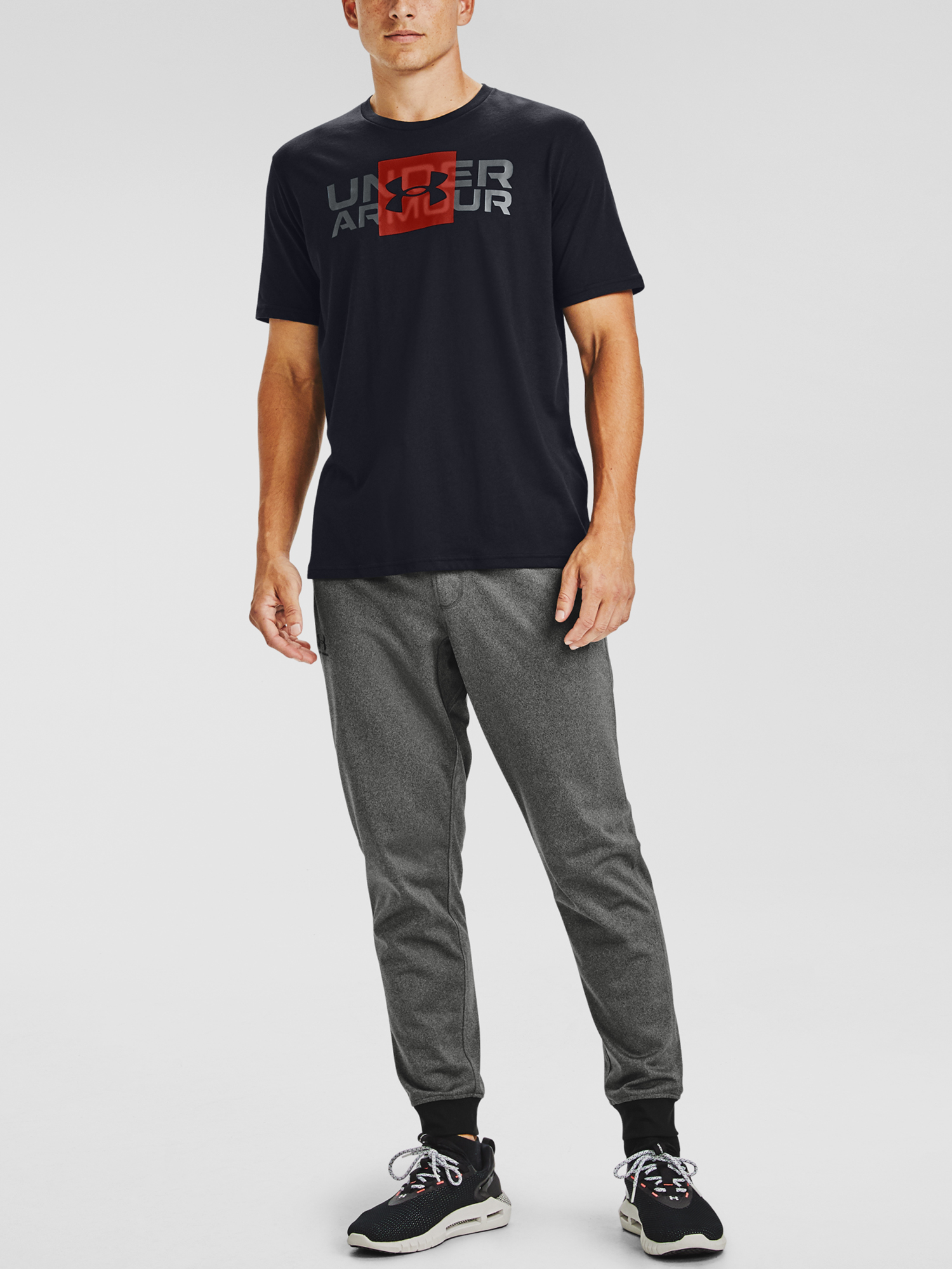 Tričko Under Armour UA BOX LOGO WORDMARK SS-BLK (1)