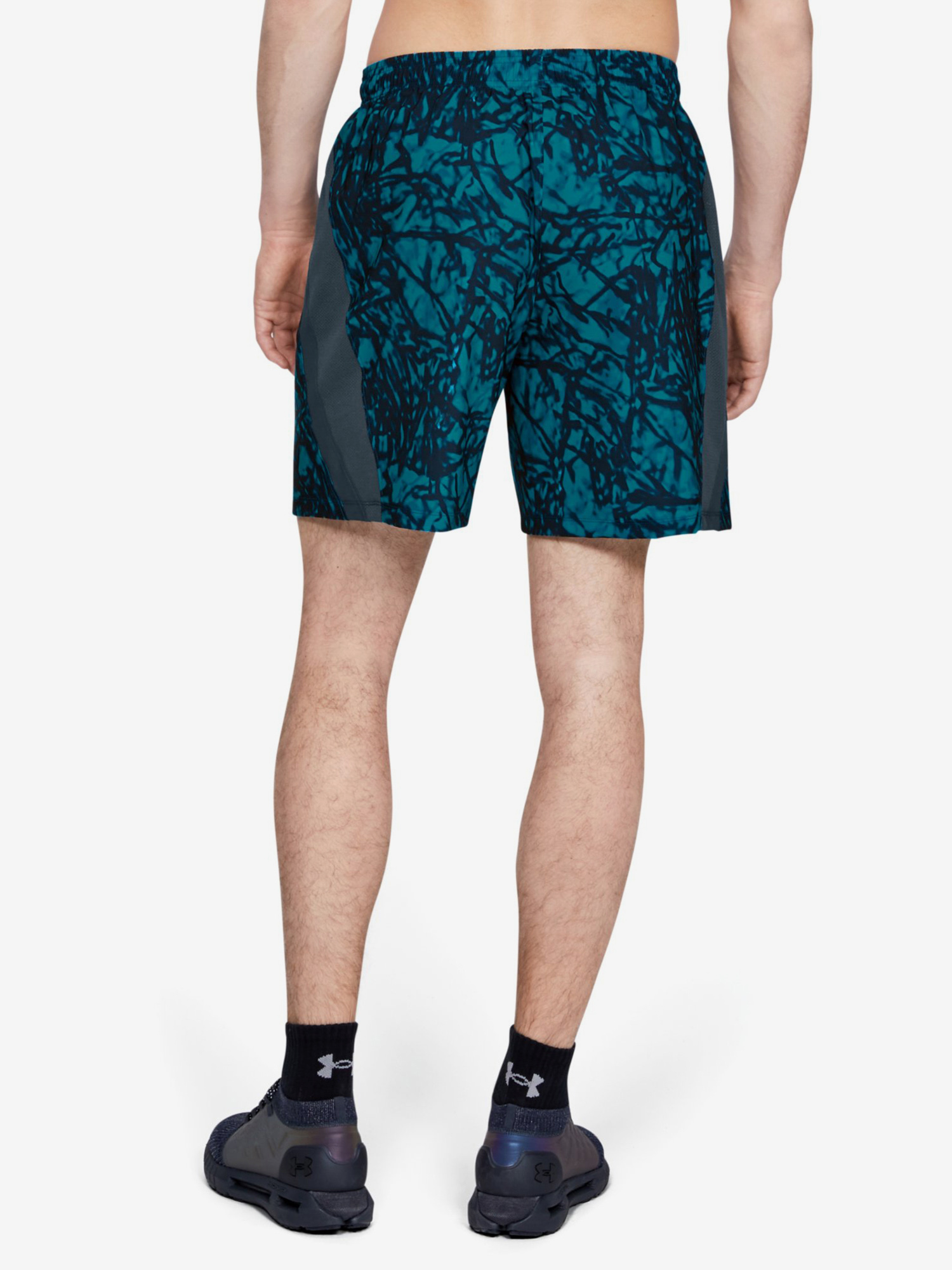 Kraťasy Under Armour Launch Sw 7'' Printed Short-Gry (2)